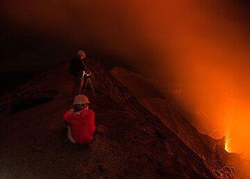 Watching the activity at night. Yasur volcano, Vanuatu Nov 2017. (Photo: Tom Pfeiffer)