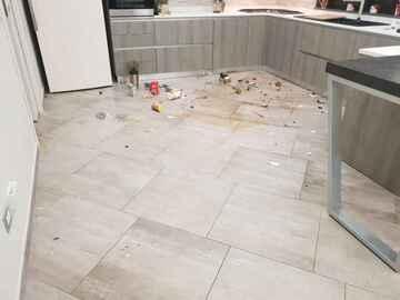 Kitchen-  broken glass (public domain)