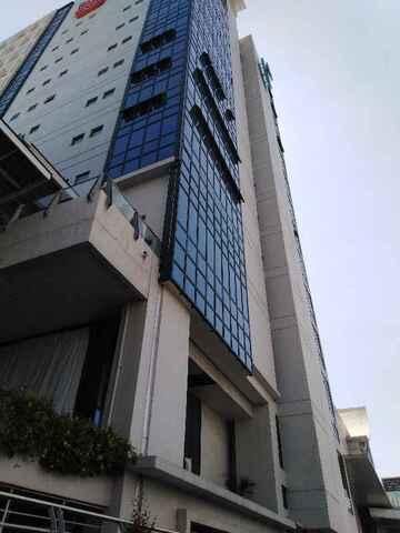 Our building got cracks (public domain)