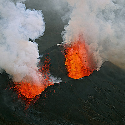 Lava fountains from Nyamuragira during the eruption in 2004 (Photo courtesy: B. Edmaier)