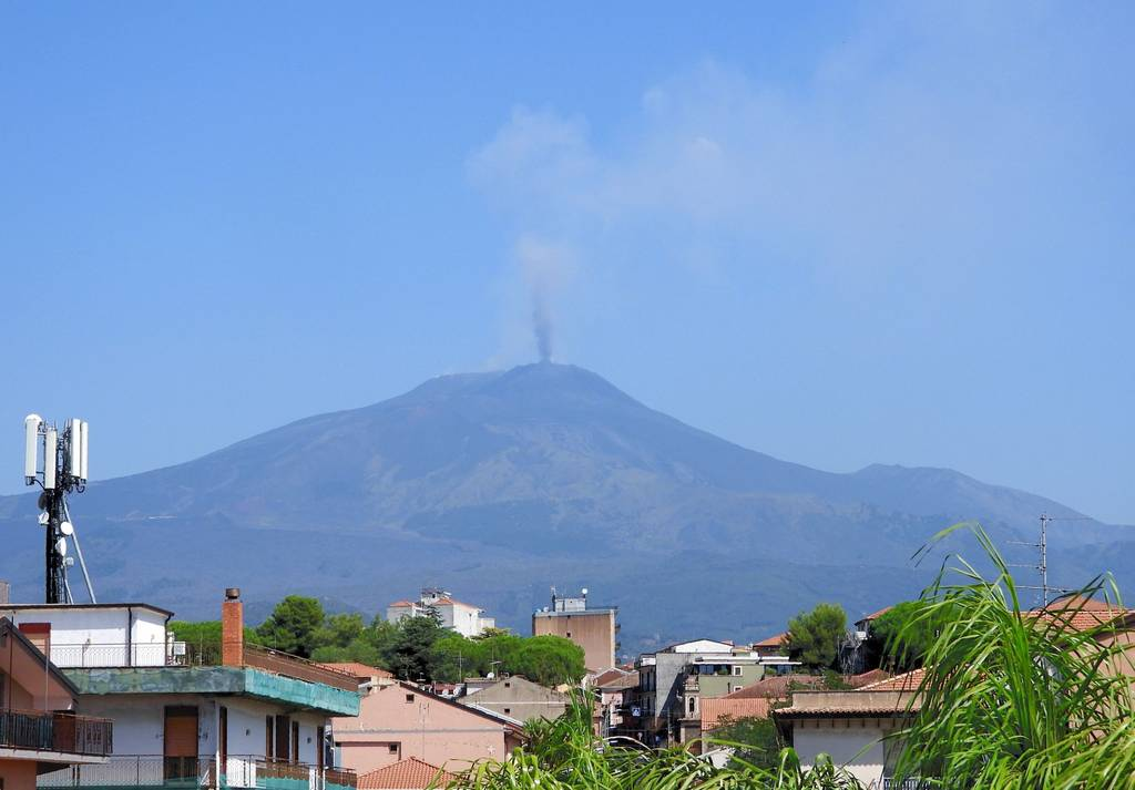 Emissions of ash rising from Etna volcano on 24 July (image: INGV)