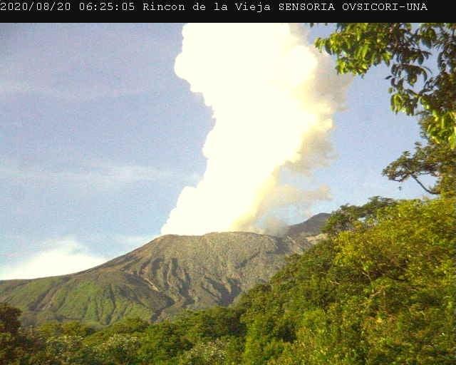 A gas-steam plume from Rincon de la Vieja volcano yesterday (image: OVSICORI-UNA)