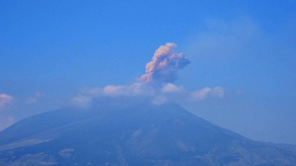 Explosion from Etna volcano yesterday (image: INGV)