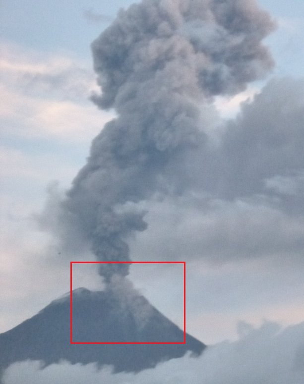Small pyroclastic flow on the upper slope on 15 Oct (image: Pat. Mothes, IGPEN)