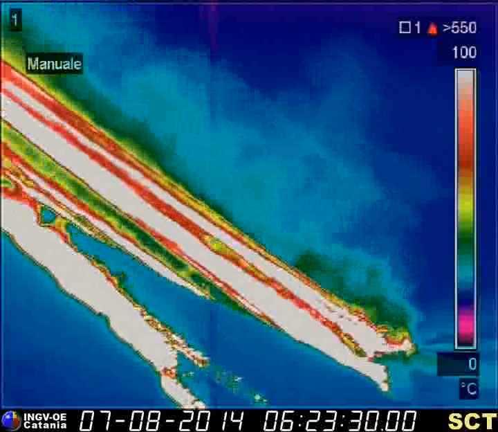 Lava flows reaching the sea this morning (INGV thermal webcam)