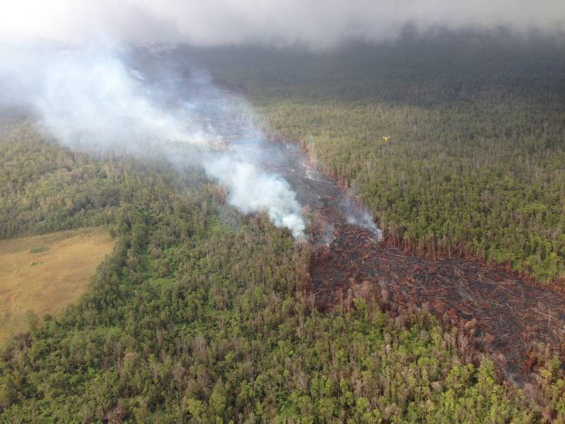 USGS-HVO photo of lava activity escaping crack system more than 3mi/5km from Pahoa village on November 19, 2014.