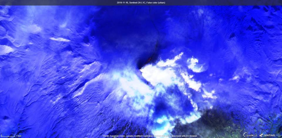Lava flow extending down the flank of the volcano visible from satellite on 16 November (image: Sentinel 2)
