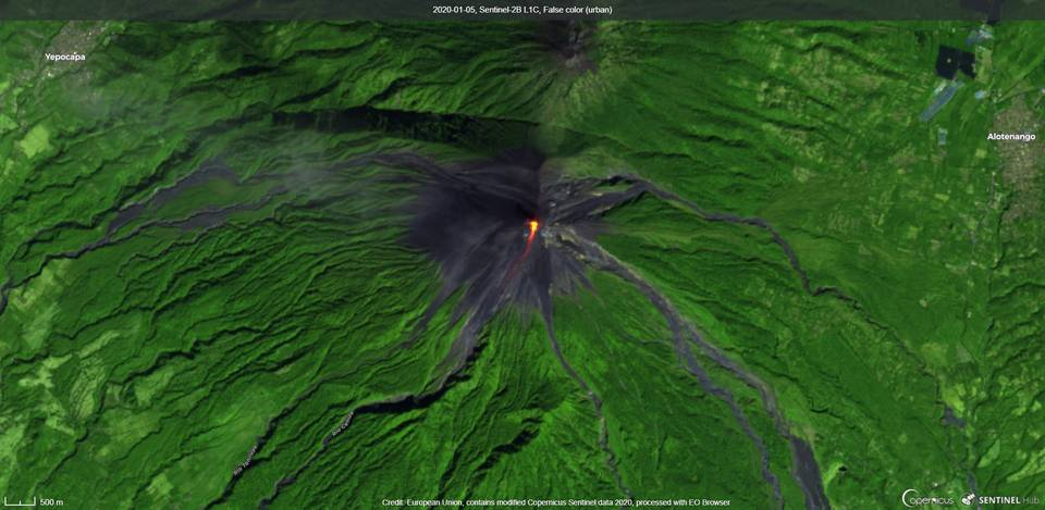 Lava flow towards the Seca Canyon from the summit crater visible from satellite (image: Sentinel 2)