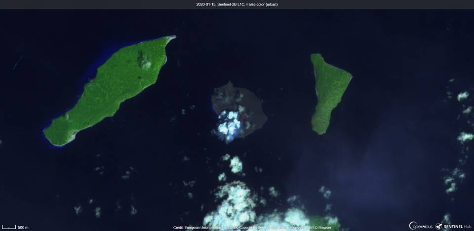 An ash plume from Krakatau volcano captured by satellite on 15 January (image: Sentinel 2)