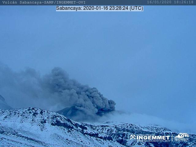 Eruption from Sabancaya volcano yesterday (image: IGP)