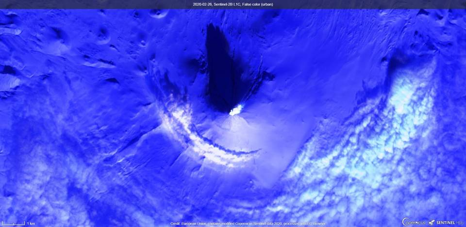 A plume from Shishaldin volcano from satellite yesterday (image: Sentinel 2)