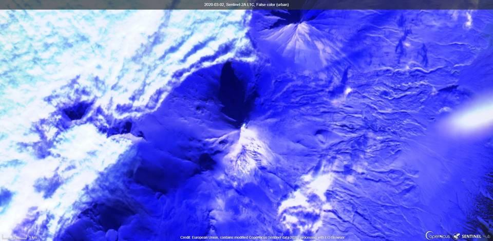 Pavlof volcano from satellite (image: Sentinel 2)