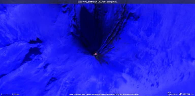 High-resolution satellite image of Shishaldin volcano shows lava (image: Sentinel 2)