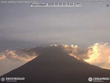 Popocatépetl volcano on 30 March (image: CENAPRED)
