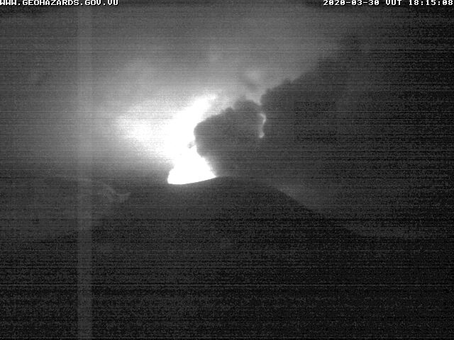 Glow from Yasur volcano this night (image: VMGD)