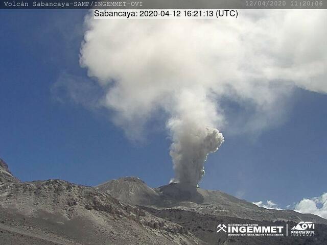 An explosion from Sabancaya volcano on 12 April (image: INGEMMET)