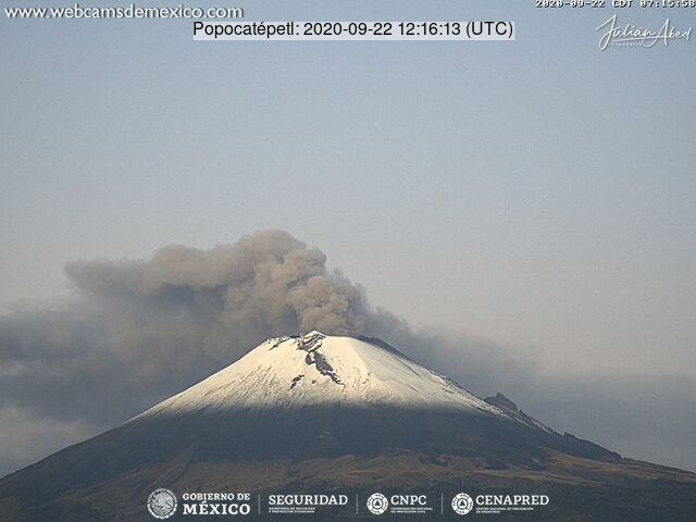 Ash emissions from Popocatépetl volcano on 22 September (image: CENAPRED)