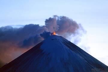 Strombolian activity from Klyuchevskoy volcano (image: Yury Demianchuk/volkstat.ru)