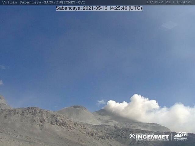 Gas-steam plume containing some amount of ash erupted from Sabancaya volcano yesterday (image: IGEPN)