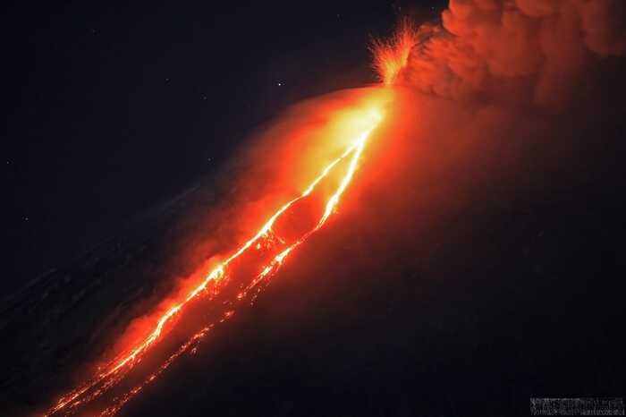 Eruption of Klyuchevskoy volcano