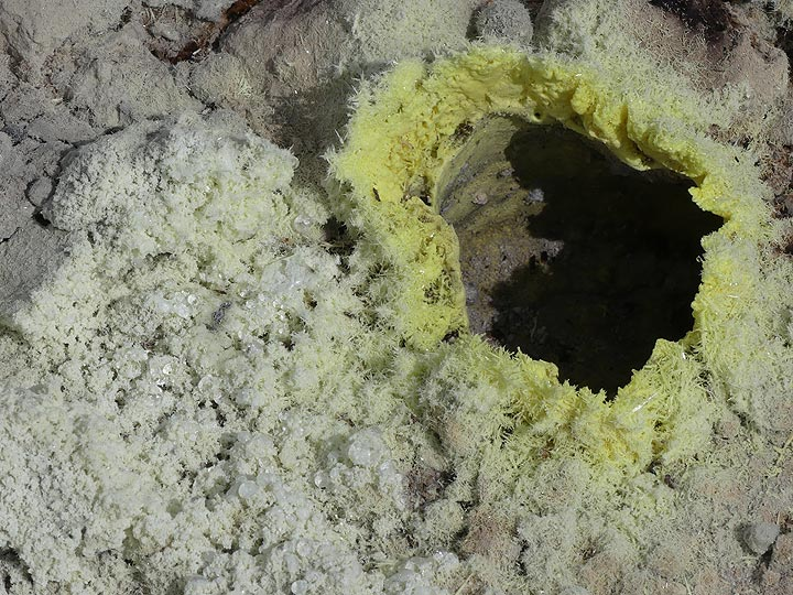 A hot fumarole at Stefanos crater. (c) Tom Pfeiffer