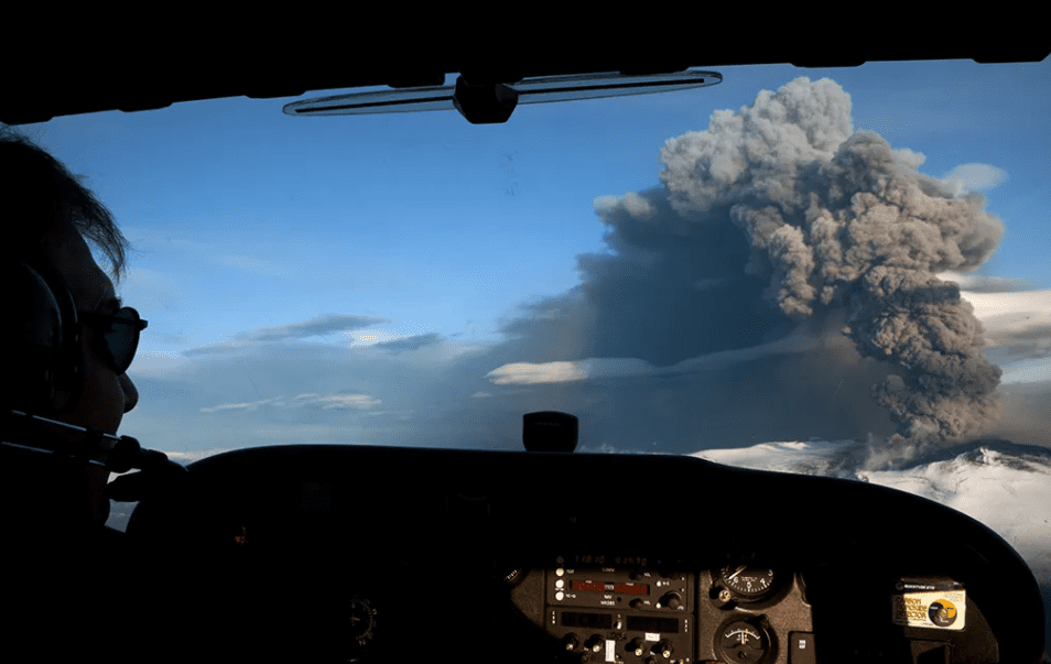 Ash plume from Iceland's Eyjafjallajökull crater during the 2010 eruption, ejecting fine ash high into the atmosphere and resulting in the temporary closure of airspace due to the danger posed to airplanes and onboard passengers (Image: Etienne De Malglaive/Getty Image)