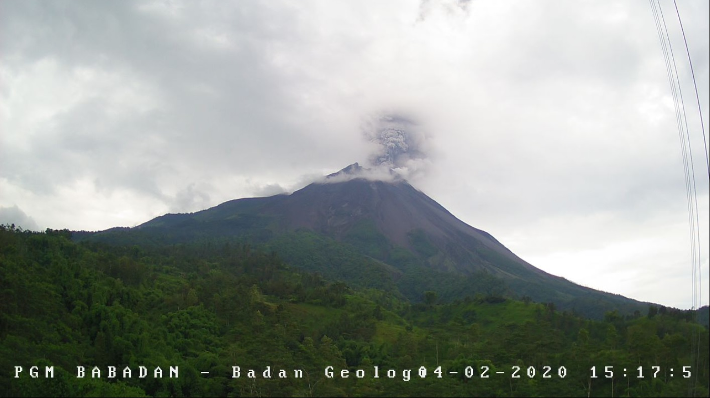 Moderate explosion from Merapi volcano yesterday (image: PVMBG)