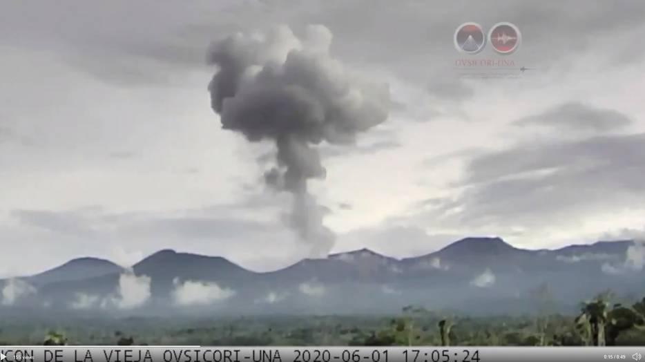 Moderate explosion from Rincon de la Vieja volcano yesterday (image: OVSICORI)