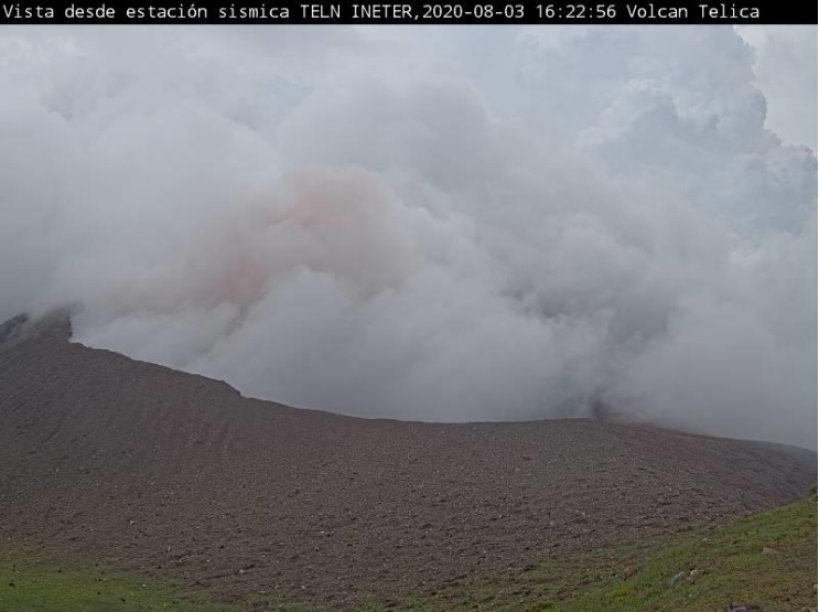 Ash emissions from Telica volcano on 3 August (image: INETER)