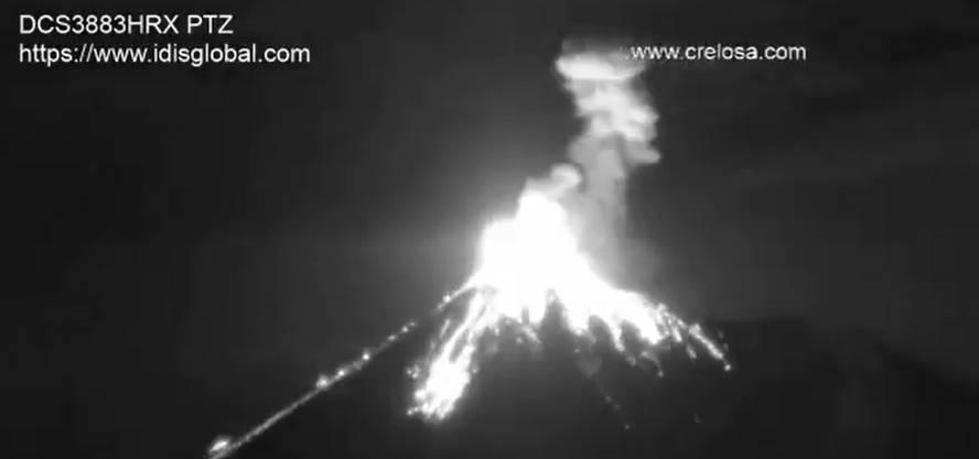 Glowing lava bombs thrown from crater of Fuego volcano yesterday (image: INSIVUMEH)