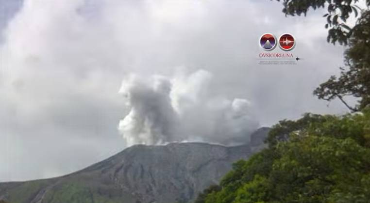 Phreatic explosion at Rincon de la Vieja volcano yesterday (image: OVSICORI-UNA)