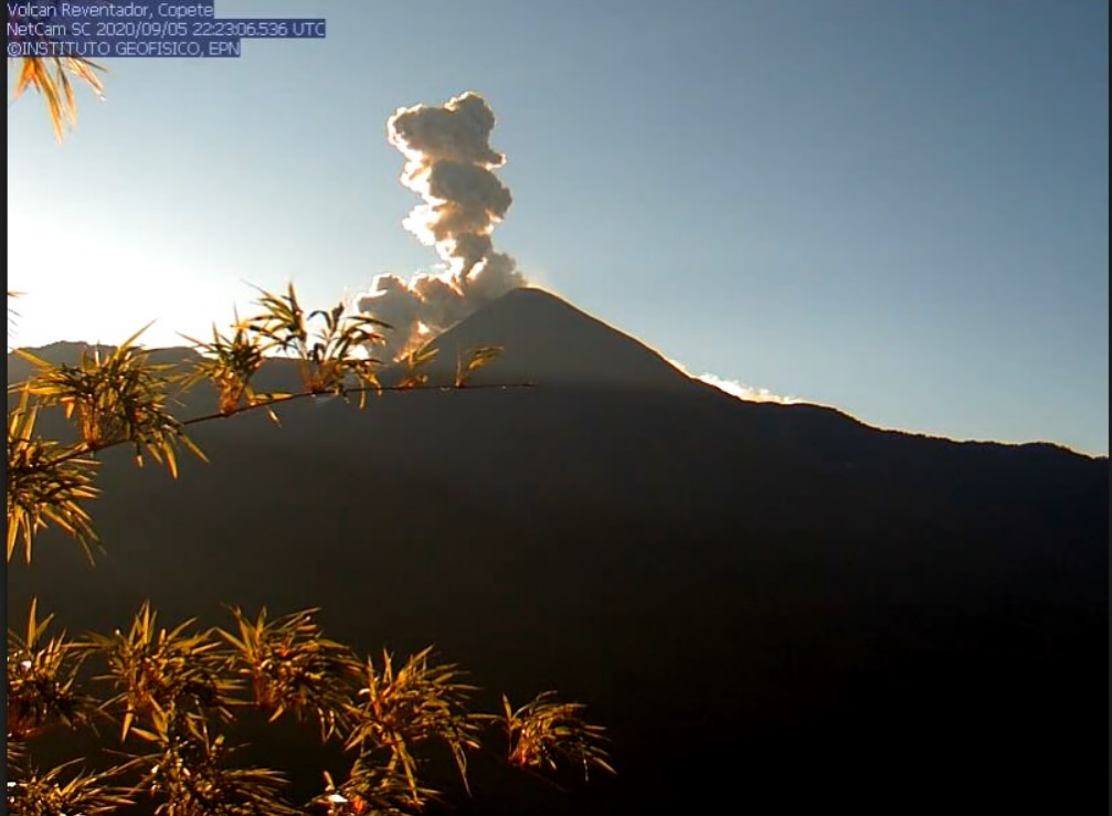 Ash emissions and pyroclastic flow from Reventador volcano on 6 September (image: IGEPN)