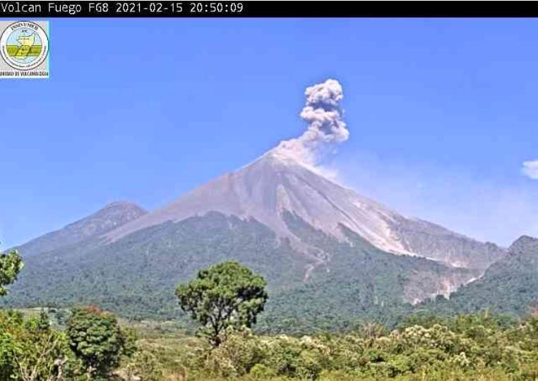 Dense dark ash plume from Fuego volcano yesterday (image: INSIVUMEH)