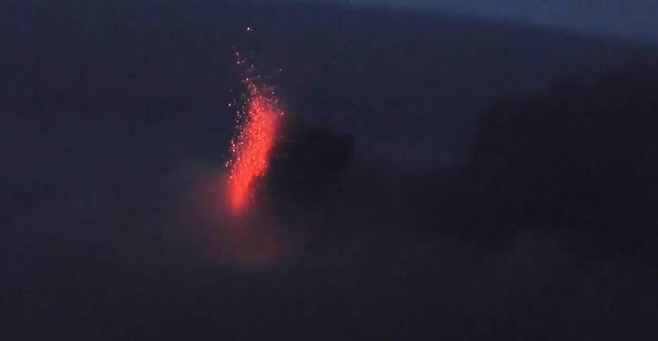 Strombolian activity from Etna volcano yesterday (image: @etnaboris/twitter)