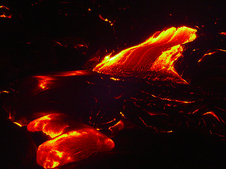 Night-time lava flow (3)