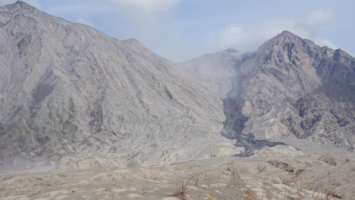 The new lava flow at Sangeang Api volcano (Photo: Aris Yanto)