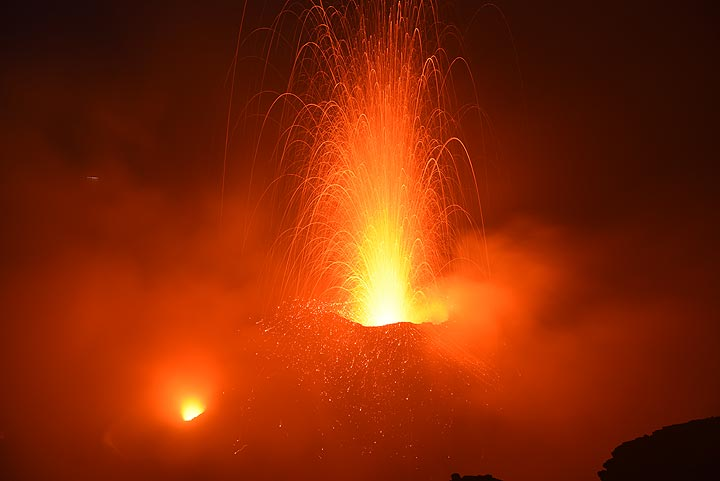 Moderately strong explosion from Stromboli's northern vent in the eastern crater section on the evening of 22 Oct 2017