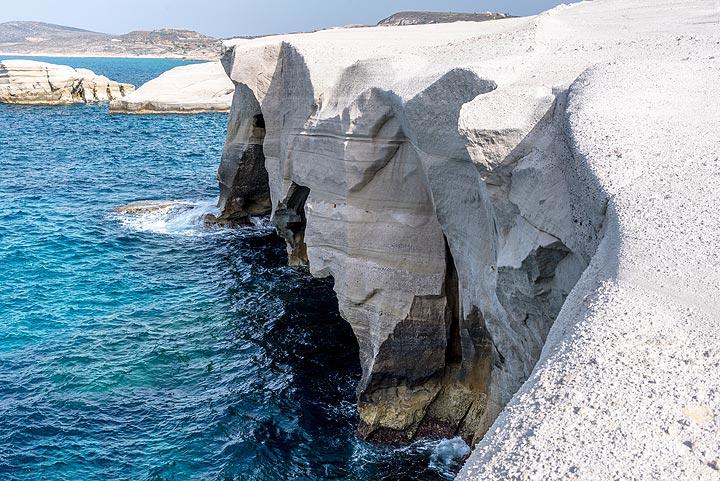Sarakiniko's cliffs