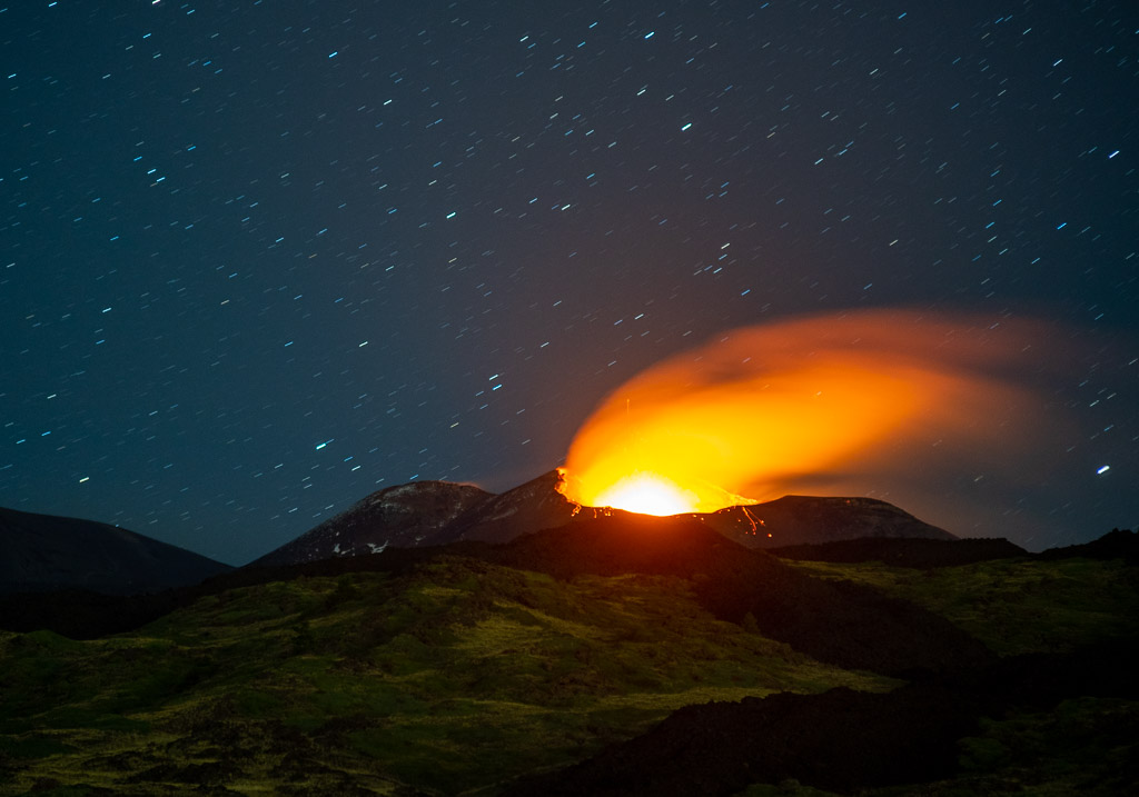 Strombolian activity from Etna's SE crater on Saturday night