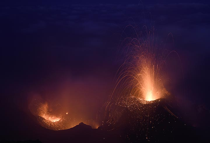 Moderate strombolian eruption from the main eastern vent (N2) of Stromboli on 16 June 2017
