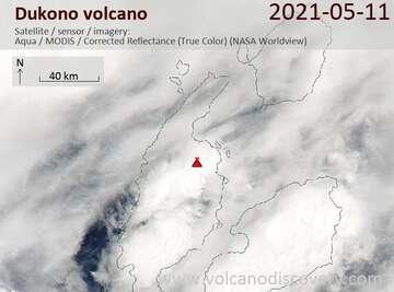 Imagen satelital del volcán Dukono el 11 de mayo de 2021