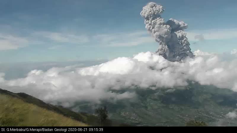 Ash column from Merapi volcano today (image: BPPTKG)