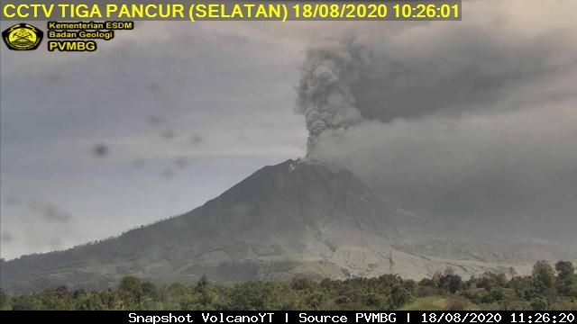 Constant ash emissions from Sinabung volcano today (image: PVMBG)