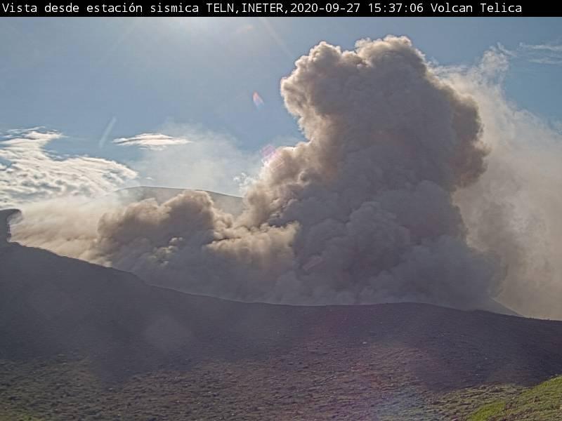 Explosion from Telica volcano on 27 September (image: INETER)