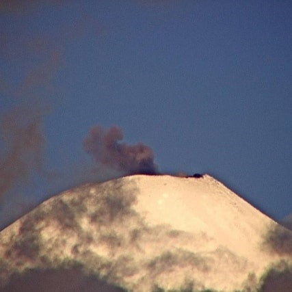 Black dense ash plume rising from Villcarica volcano yesterday (image: SERNAGEOMIN)
