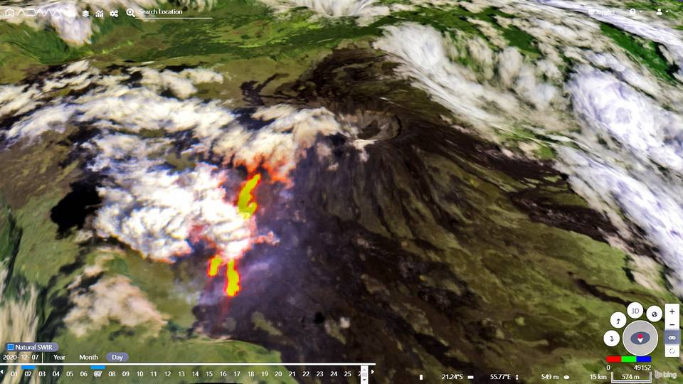 Three eruptive fissures detected by satellite (image: @tonyveco/twitter)