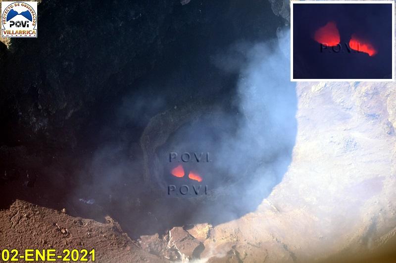 The small lava pond remains active in the summit crater (image: @povi_cl/twitter)