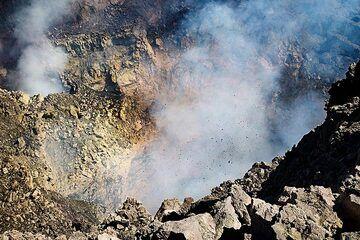 Strombolian eruption in Bocca Nuova on 30 Sep 2018 (image: Emanuela Carone / VolcanoDiscovery Italia)
