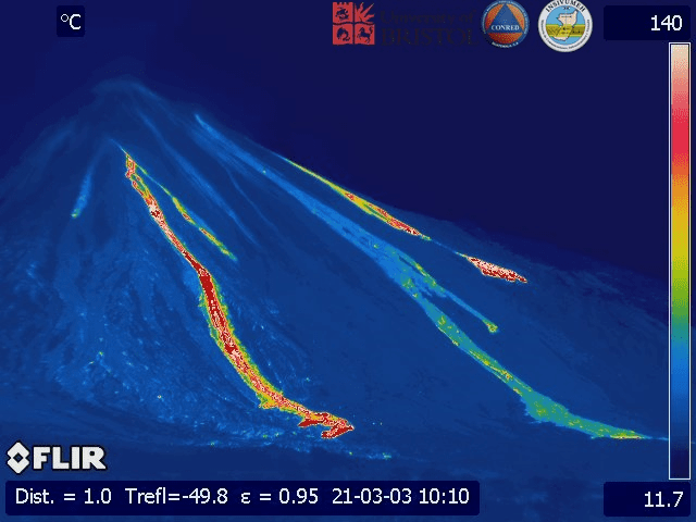 Thermal image of the three lava flows at Pacaya volcano (image: @insivumehgt/twitter)