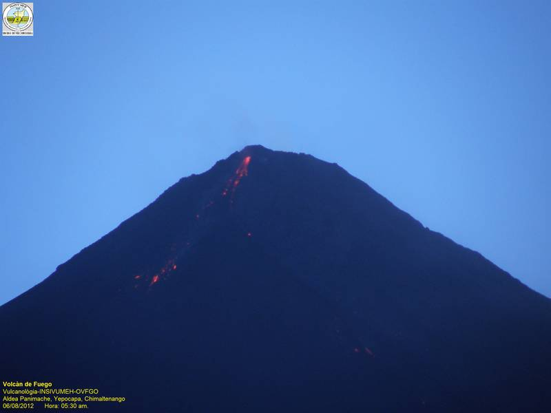 The lava flow on Fuego's SE flank (INSIVUMEH webcam) early on 7 Aug
